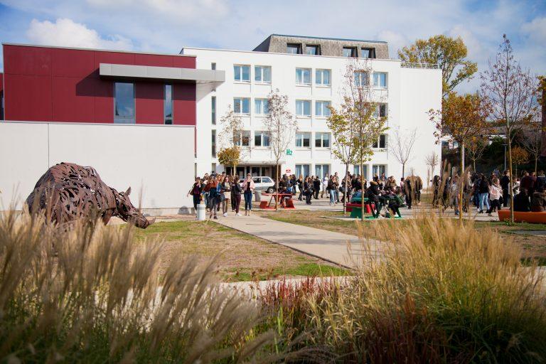 Extérieur du Campus des Métiers et de l'Artisanat